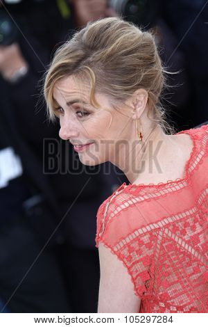 CANNES, FRANCE - MAY 21: Anne Consigny poses at 'Vous N'avez Encore Rien Vu' Photocall during the 65th Annual Cannes Film Festival at Palais des Festivals on May 21, 2012 in Cannes, France.