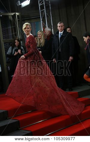 FEBRUARY 08: Elizabeth Banks attends the 'Love & Mercy' premiere during the 65th Berlinale International Film Festival at Friedrichstadt-Palast on February 8, 2015 in Berlin, Germany.