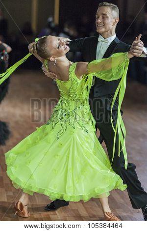 Minsk, Belarus-september 26, 2015: Sazin Artem And  Sosnovska Valeriia Perform Adult Standard Progra