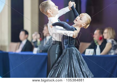 Minsk, Belarus-september 26, 2015: Romanenko Artem And Shuhurova Kira Perform Juvenile-1 Standard Pr