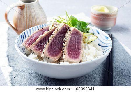 Tuna Tataki with Rice and Vegetable
