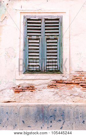 Slatted window