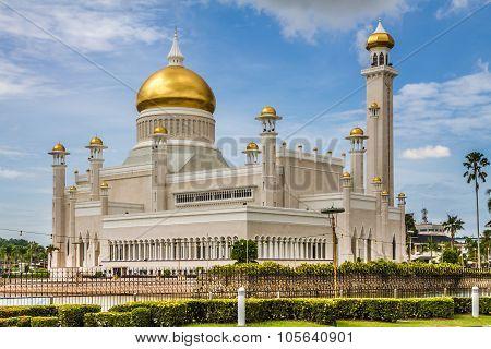 Beautiful View of Sultan Omar Ali Saifudding Mosque Bandar Seri Begawan Brunei Southeast Asia poster