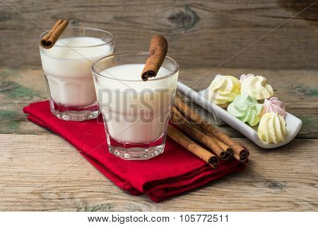 Milk With Cinnamon