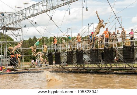 Tough Muddger 2015: Reach For The Bell