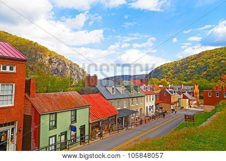 Harpers Ferry historic town in autumn and Blue Ridge Mountains.