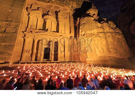 Petra, Jordan - March 26, 2015: Tourists Enjoying The Spectacle Of Petra By Night
