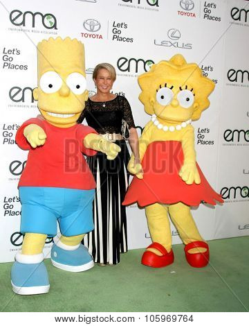 LOS ANGELES - OCT 24:  Bart Simpson Charachter, Yeardley Smith, Lisa Simpson charachter at the Environmental Media Awards 2015 at the Warner Brothers Studio Lot on October 24, 2015 in Burbank, CA