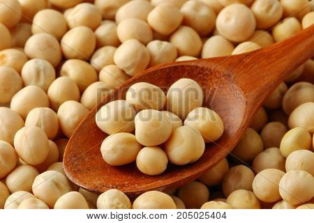 Close up of White dried peas in a bowl