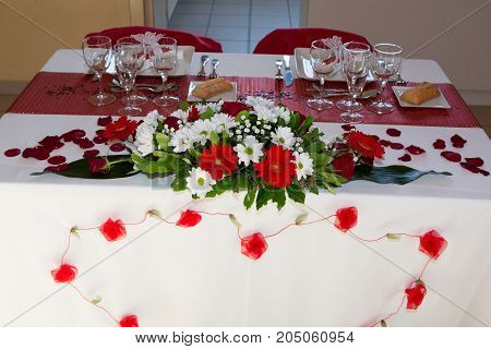 Wedding Reception Place Ready For Guests With Low Budget