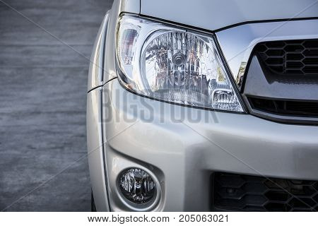 close up of the car head light.