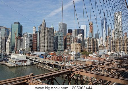 New York City, Usa, September 11, 2017 : View Of Manhattan Skyline From The Pedestrian Path On Brook