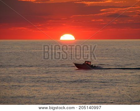 Zachód słońca nad jeziorem Michigan. Sunset - Lake Michigan