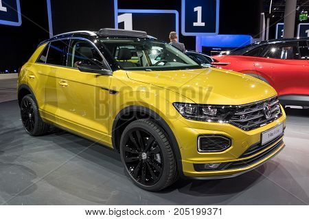 New Vw T-roc R-line Compact Suv Car