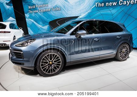 New 2018 Porsche Cayenne S Car