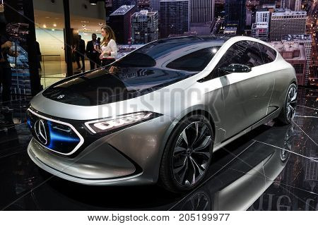 Mercedes-benz Concept Eqa Car