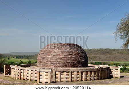 Buddhist Stupa in Sanchi Madhya Pradesh India