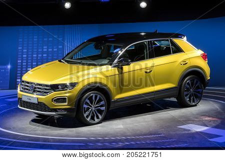 New 2018 Volkswagen T-roc Compact Suv Car