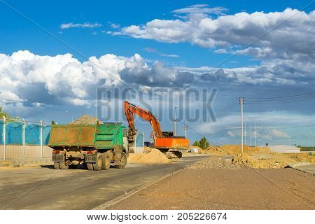 Heavy Machine Equipment For Excavation Works