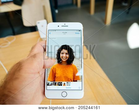 New Iphone 8 And Iphone 8 Plus In Apple Store With Photo App Browser