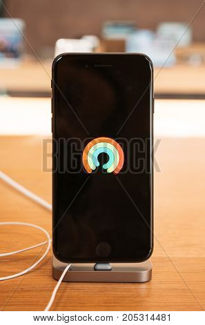 Apple Logo Demo Mode On Oled Screen Of The New Iphone 8 And Iphone 8 Plus In Apple Store