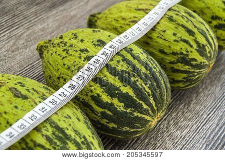 raw and unripe tiny melon food to lose weight, run melon intestines, low calorie calves, poster