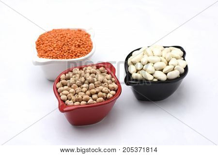 beans chickpeas grams with the white background