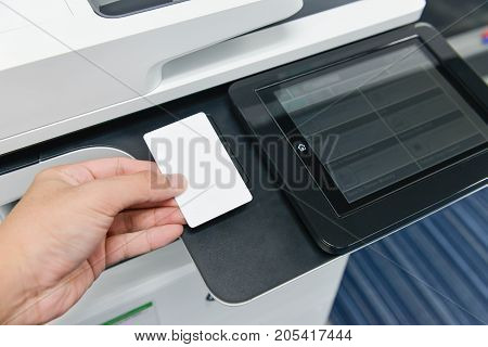 Using smart card with printer to printing document