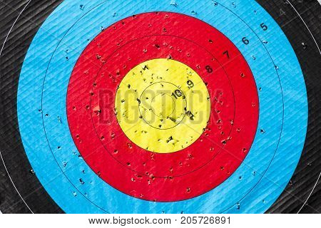 Many attempts to hit the colorful Bull's-Eye