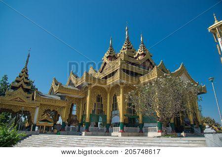 Kyauk Taw Gyi Pagoda Largest Marble Buddha Image In Burma Measuring 37 Feet Tall.the Kyauk Taw Gyi P