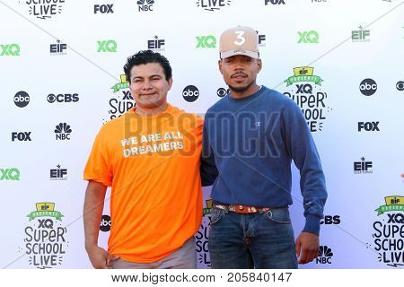 LOS ANGELES - SEP 8:  Geoffrey Canada, Chance The Rapper at the EIF Presents: XQ Super School Live at the Barker Hanger on September 8, 2017 in Santa Monica, CA