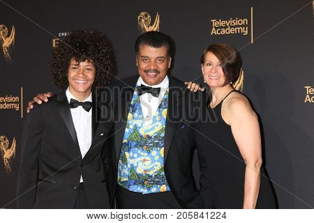 LOS ANGELES - SEP 9:  Neil DeGrasse Tyson at the 2017 Creative Emmy Awards at the Microsoft Theater on September 9, 2017 in Los Angeles, CA