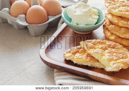 Cloud bread Oopsie bread Keto ketogenic diet paleo low carb high fat