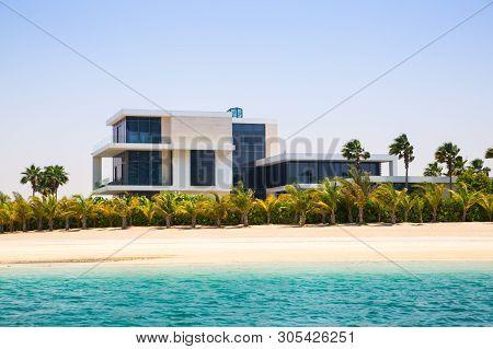 Dubai, Uae, United Arab Emirates - 29 May, 2019:  Luxury Villas On The Palm Jumeirah In Uae