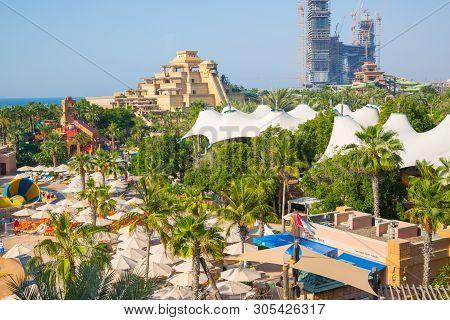 Dubai, Uae, United Arab Emirates - 29 May, 2019:  View Of Aquaventure Water Park, Neptune Tower And