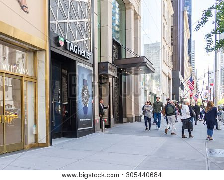 New York, Usa - May 15, 2019: The Tag Heuer Store On 5th Ave In New York City
