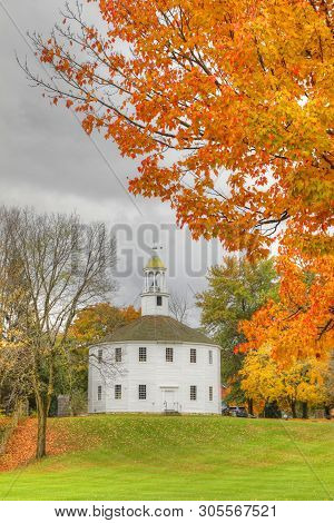 Burlington, Vermont/united States - October 29: Vertical Of Old Round Church In Richmond In Vermont.