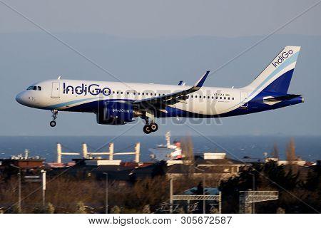 Istanbul / Turkey - March 28, 2019: Indigo Airbus A320 Neo Vt-izj Passenger Plane Landing At Istanbu
