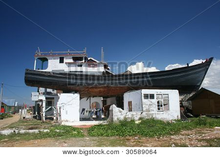 Tsunami - Banda Aceh, Indonesia: Boat on Roof