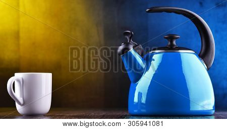 Traditional Stainless Steel Stovetop Kettle With Whistle