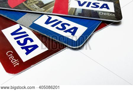 Choice Of Visa Credit And Debit Cards. Closeup Of Visa Credit And Debit Cards. 25.01.2021. Warsaw, P
