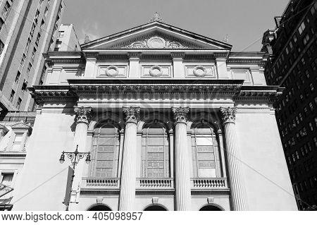 Upper West Side Landmark. New York City - Congregation Shearith Israel Synagogue At Upper West Side