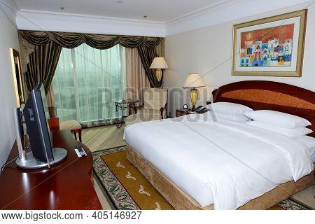 Dubai, Uae - September 8: The Apartment In Grand Hyatt Dubai Luxury Resort Hotel On September 8, 201