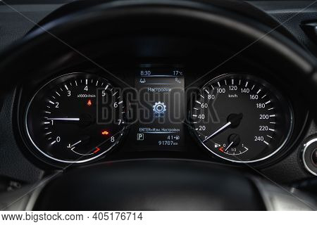 Novosibirsk, Russia - January 14 2021: Nissan Qashqai, Round Speedometer, Odometer With A Range Of 9