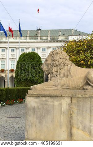 Warsaw, Poland - October 17, 2019: Presidential Palace, Neoclassical Monumental Edifice On The Stree