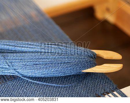 Weaving Shuttle Tool With Denim Blue Threads, Single Shuttle Loom