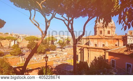 Rome, Italy July 21, 2018:roman Architecture And City Views In Rome, Itali.