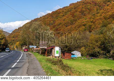 Zakarpattia Oblast, Ukraine - October 27, 2020: Roadside Trade, Sale Of Homemade Food: Cheese, Sausa