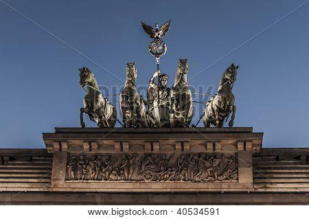 Quadriga Statue