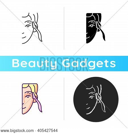 Eyebrow Razor Icon. Shaving Brows. Removing Fine Eyebrow, Neck And Face Hairs. Small Beauty Tool. Re